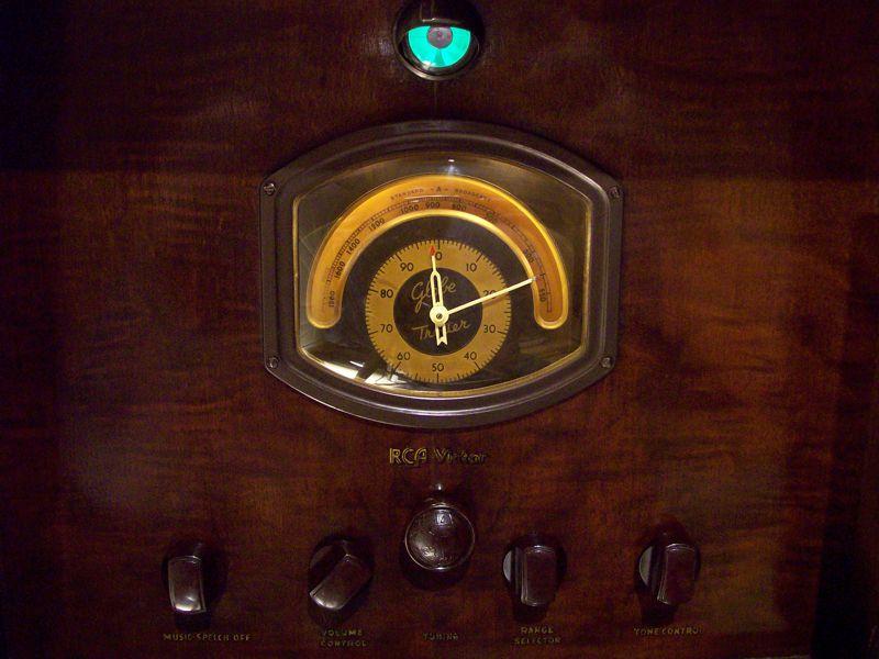 1935 Rca Canada C14 1 Us C15 3 15 Tube Console Radio